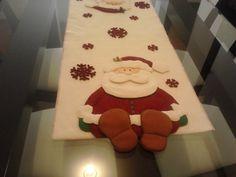 Santa table runner feet hang over Christmas Patchwork, Christmas Sewing, Felt Christmas, Christmas Projects, Holiday Crafts, Christmas Time, Christmas Ornaments, Holiday Decor, Christmas Door