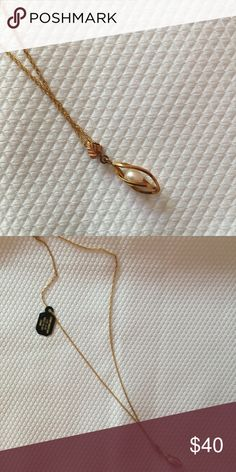 Black Hills Gold Caged Pearl Pendant Necklace NWOT. Never worn! Beautiful pearl enclosed in a cage with a leaf detail. Black Hills Gold by Coleman Jewelry Necklaces