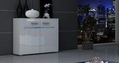 Nowoczesna biała komoda z połyskiem. http://www.aaaameble.pl/ #nowoczesnemeble #mebledosalonu #meble #minimalistycznemeble #mebleniemieckie #dom #aranzacjedom #aranzacje