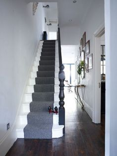 Wonderful Images grey Carpet Stairs Thoughts Among the fastest methods to revamp your tired old staircase is to cover it with carpet. Grey Carpet Hallway, Beige Carpet, Carpet Stairs, Diy Carpet, Carpet Ideas, Cheap Carpet, Carpet Runner On Stairs, Stairway Carpet, Carpet Decor