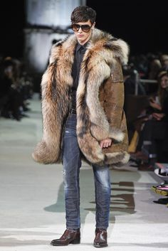 Dsquared2 Men s RTW Fall 2015 - Slideshow Homme Chic, Fringues, Fourrure  Homme, Manteau 17a2564d502