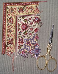 It's beautiful, but I think even this one would defeat me. Crochet Edging Patterns, Embroidery Patterns, Cross Stitch Patterns, Cross Stitching, Cross Stitch Embroidery, Arabesque, Cross Stitch Floss, Chinese Embroidery, Needlepoint