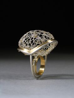 Spider Lace 2005, Ring Sterling silver, fine silver, 18k gold Photo by Tim Barker
