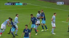 #MLS  GOAL: Gerso Fernandes opens scoring off a corner