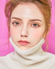 Nice to meet chuu ; Green Brown Eyes, Chloe Kim, Close Up Faces, Beauty Makeup, Hair Beauty, Face Piercings, Beautiful Red Hair, Figure Photo, Face Photography