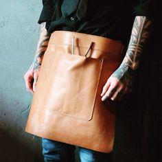 #lerenschort #leather #apron  Handmade leather apron by Barouffe Barista Hairdresser Toolbelt