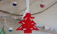 Christmas Craft - Christmas Crafts - Threaded felt trees