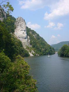 Statue of Dacian King Decebalus, Danube River, Romania / Rumunia Albania, Beautiful World, Beautiful Places, Amazing Places, Beautiful Boys, Places To Travel, Places To See, Romania Travel, Rock Sculpture