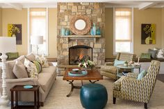 House of Turquoise: Living room, neutral, beige, tan, teal accent pieces, white lamps, so warm and inviting! Love it!!! Could definitely do this in my current living room!