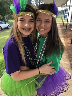 25 DIY Mardi Gras Decorations which are warm & festive - Hike n DipMardi Gras DIY DecorationsMardi Gras pep rally outfits?Mardi Gras BingoMardi Gras Bingo Activities For Seniors Mardi Gras Mardi Gras Outfits, Mardi Gras Costumes, Carnival Outfits, Mardi Gras Centerpieces, Mardi Gras Decorations, Mardi Gras Beads, Mardi Gras Party, Culture Day, New Orleans Mardi Gras