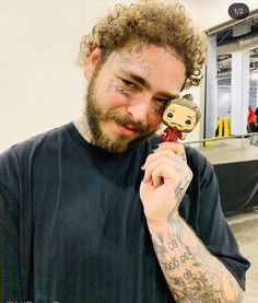 Post Malone Lyrics, Post Malone Quotes, Mac Miller, Post Malone Wallpaper, Love Post, American Rappers, Record Producer, Music Artists, Role Models