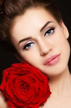 Modne makijaże ślubne.
