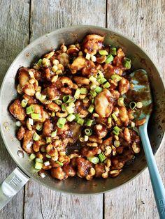 Kylling med cashewnøtter Kung Pao Chicken, Ethnic Recipes, Food, Red Peppers, Essen, Meals, Yemek, Eten