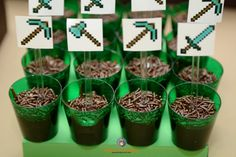 Lembra-Art Produções: Festa minecraft Craft Minecraft, Minecraft Meme, Minecraft Earth, Minecraft Birthday Party, Birthday Parties, 8th Birthday, Video Game Party, Soccer Party, Halloween Birthday