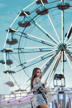 #ensaio #diversão #photography #park #tumblr #girls Inspiration Photography, Tumblr Photography, Photoshoot Inspiration, Portrait Photography, Travel Photography, Fair Pictures, Carnival Photography, Foto Blog, Instagram Pose