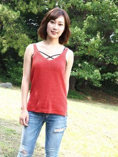 Tank Tops, Jeans, Women, Fashion, Moda, Fashion Styles, Fashion Illustrations, Fashion Models, Crop Tank
