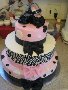 if im having a girl, this might have to be the cake for the baby shower!