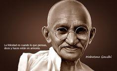 Mahatma Gandhi, es uno de los hombres que ha promovido la paz con un alto impacto, a través de s...