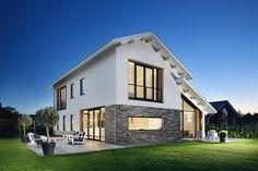 Moderne woning met kap, combinatie van stucwerk, lange baksteen en strakke dakpan. Ontwerp BNLA architecten   Fotografie Studio de Nooyer.