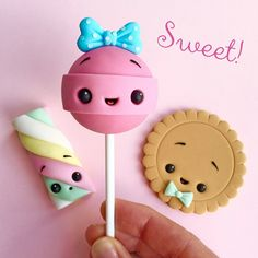 Sweet Sweets Cake Topper - Sweets - Fondant - Chewing Gum Paste - Kawaii Source by Fimo Kawaii, Polymer Clay Kawaii, Kawaii Diy, Kawaii Crafts, Polymer Clay Kunst, Fimo Clay, Polymer Clay Charms, Polymer Clay Creations, Crea Fimo