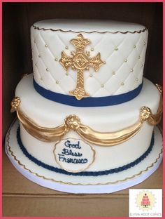 Elysia Root Cakes is a Chicago based designer of beautiful bespoke wedding and special occasion cakes. Contact us today create the cake of your dreams. Baptism Party, Boy Baptism, Baptism Ideas, Comunion Cakes, Christening Cake Boy, Religious Cakes, First Communion Cakes, Baptism Decorations, Cakes For Boys