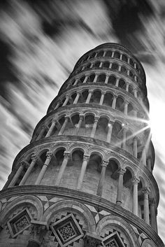 Explore photo : Storm! at the Leaning Tower of Pisa by fischerfotografie.nl
