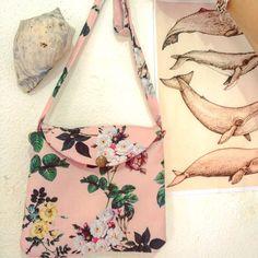 Só aprendemos tentando ✂️ #costura #sewing #costurando #euamocosturar #floral #bolsa #bag #costurandoeaprendendo