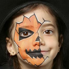 50 Pretty And Scary Halloween Makeup Ideas For kids. Makeup Ideas for Kids. 50 Inspiration Halloween Makeup Ideas For kids ranging from cute to scary to funny to flirty. Happy Halloween, Halloween Makeup For Kids, Scary Halloween, Fall Halloween, Halloween Crafts, Halloween Decorations, Halloween Party, Zucca Halloween, Face Painting Halloween Kids
