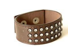 Bracelete Couro + Strass R$14.90