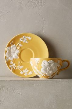 Petal Vines Cup Saucer, You are able to enjoy breakfast or different time times using tea cups. Tea cups likewise have ornamental features. When you consider the tea pot types, you will dsicover this clearly. Teapot Cake, Teapot Cookies, Teapot Crafts, Bistro Design, Café Chocolate, Tea Pot Set, Teapots And Cups, My Cup Of Tea, Mellow Yellow