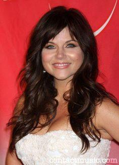 Image from http://img3.wikia.nocookie.net/__cb20101124035904/doblaje/es/images/7/72/Tiffani-Amber_Thiessen.jpg.