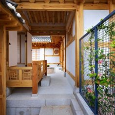 New Hanok House exterior/interior designed by Doojin Hwang Architects Asian Design, Korean Design, Traditional House, Korean Traditional, Architecture Old, My Dream Home, Building A House, Exterior, House Design