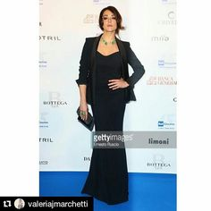 The italian actress Valentina Lodovini with a Mantù tuxedo jacket yesterday night #redcarpet #raicinema15anni #stunningbeauty thanks @valeriajmarchetti Reposted Via @mantu_castor