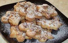 Nagymama receptje alapján készült omlós linzer. Mivel sokáig eláll, sőt annál omlósabb lesz, lassan hozzá is láthatunk a sütéséhez.