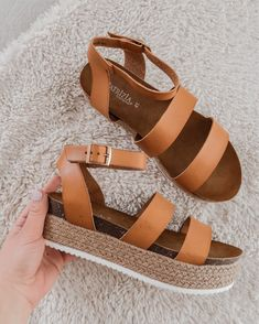 Details about  /Girls Fashion Student Sandals Women/'s Shoes Pearl Low Heels Buckle Plus Size