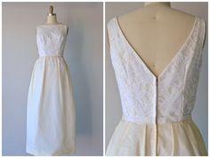 Vintage 1960's Wedding Dress listed in the shop today at @ledbellyvintage #vintage #weddings #bridal #weddingdresses #vintageweddingdress #usedweddingdress #1960sweddings #1960sfashion #1960sstyle #austinvintage #ledbellyvintage #love