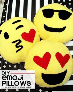 easy DIY emoji pillo