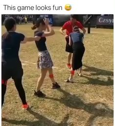 It's all fun & games until someone's head gets stuck? It's all fun & games until someone's head gets stuck?,Love it This looks so hard ? Funny Short Videos, Funny Video Memes, Crazy Funny Memes, Funny Relatable Memes, Family Party Games, Fun Party Games, Team Building Games, Team Building Exercises, Team Games