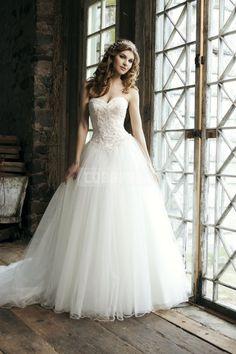 Empire Princess Sweetheart Button Back Court Train Tulle Wedding Dress