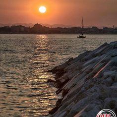 ----------------------------- ⓒⓞⓝⓖⓡⓐⓣⓤⓛⓐⓣⓘⓞⓝⓢ --------------------------------------------- 🌟 Rimini 🌟 by @andrea_magnani_ph visitate la sua splendida galleria!! --------------------------------------------- admin⇒ @_elisagasperoni & @ariannapruccoli follow⇒ @vivorimini tag⇒ #vivorimini --------------------------------------------- Tagga solo foto scattate da te!!! Continuate a seguirci e taggate le vostre foto piu belle della provincia di Rimini con il Tag #vivorimini…