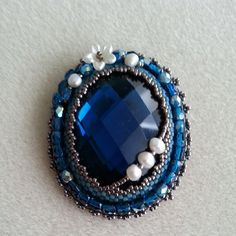 broche embrodery