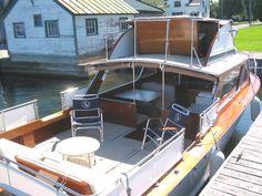 1964 Lyman Islander 28 with Flybridge Lyman Boat Works