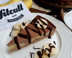 Lahodný banánovo-čokoládový dort se slušnou dávkou bílkovin (Recept) Waffles, Cheesecake, Fresh, Breakfast, Ethnic Recipes, Fit, Morning Coffee, Shape, Cheesecakes