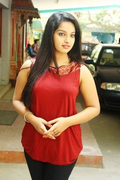 Malavika Menon at Vethu Vettu Audio Launch photos Beautiful Girl Indian, Beautiful Indian Actress, Beautiful Actresses, Gorgeous Women, New Hair Style Image, Western Girl Outfits, Thing 1, Stylish Girl Pic, Beautiful Bollywood Actress