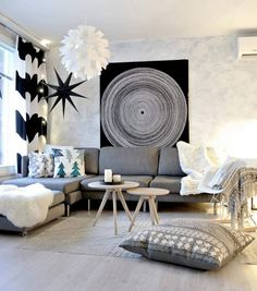 Tyynyt, viltit ja muut tekstiilit tuovat kodikkuutta olohuoneeseen, josta löytyy mm. ihana Eames Rar keinutuoli. Living Room Designs, Living Room Decor, Scandinavian Style Home, Affordable Rugs, Modern Area Rugs, Beautiful Living Rooms, Lounge, Eclectic Decor, Home Decor Inspiration
