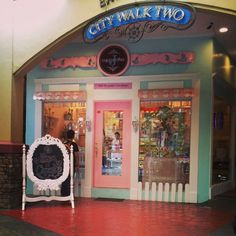 cutest cupcake store in town.