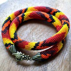 Купить Жгут из бисера Африканский закат - красный, белый, жгут из бисера, жгут вязанный из бисера