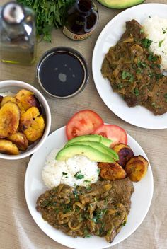 This Cuban Steak with Onions dish is jam packed full of delicious flavors! It's tender, savory, and sure to make any abuela proud. Fun Easy Recipes, Lunch Recipes, Appetizer Recipes, Dinner Recipes, Appetizers, Thin Steak Recipes, Meat Recipes, Cooking Recipes, Comida Boricua