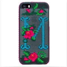 Craft Silicone Case embroidered cross stitch. Funda Artesanal de silicón con bordado en punto de cruz. $27