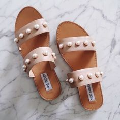 Would love these simple sandals with just a little extra embellishment